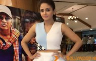 Parul Yadav's Outfit pictures of her recent Killing Veerappan promotions