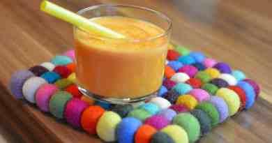 Apfel-Karotten-Saft mit Joghurt