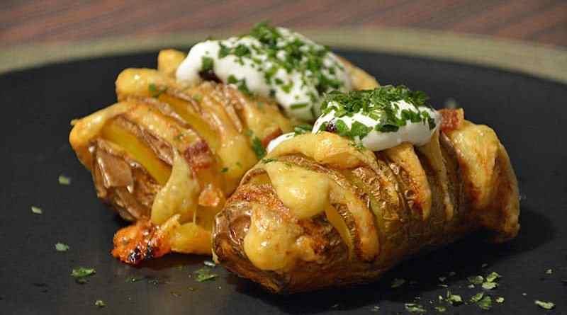 Hasselback Kartoffeln aus dem Ofen