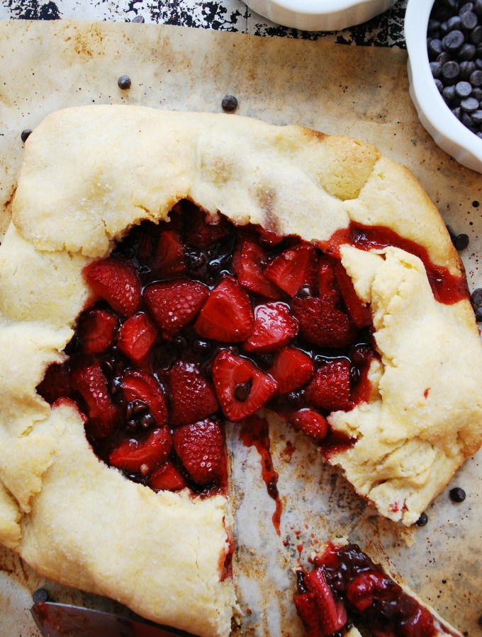 Strawberry Chocolate Galette (Gluten, dairy, egg, soy, peanut and tree nut free; top 8 free; vegan) Dessert recipe by AllergyAwesomeness.com