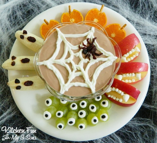 Halloween Fruit platter with yoghurt and nutella dip
