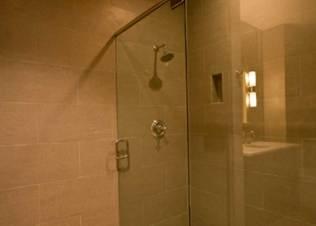 alleystation_flats_bathroom