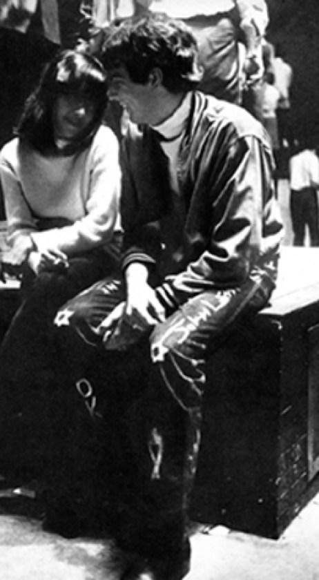 coppia seduta sul cubo1