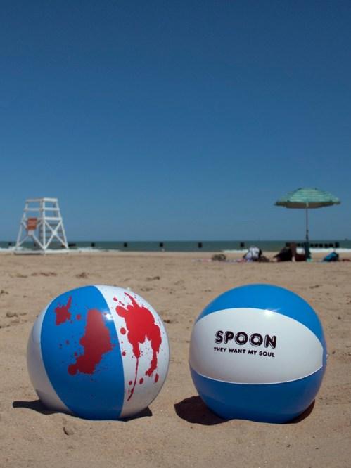 Spoon_BeachBall