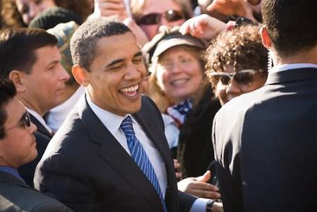 Barack Obama lachend (Shutterstock)