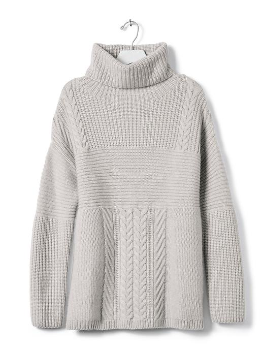 grey-cashmere-turtleneck-sweater