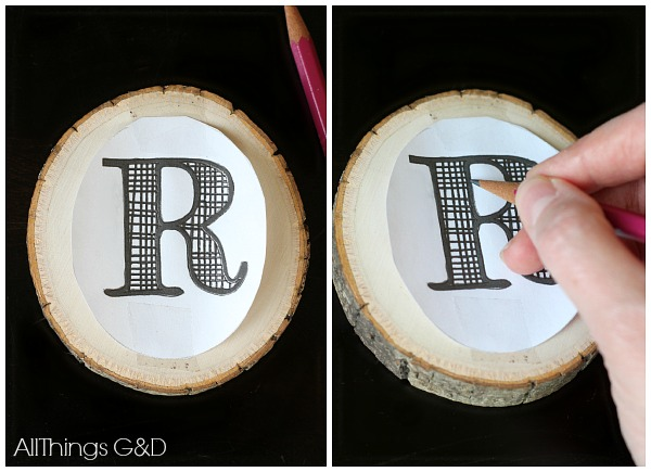 This DIY Monogrammed Wood Slice Ornament combines monograms, rustic and plaid for a Christmas trend trifecta - includes a free printable monogram to make your own! | www.allthingsgd.com