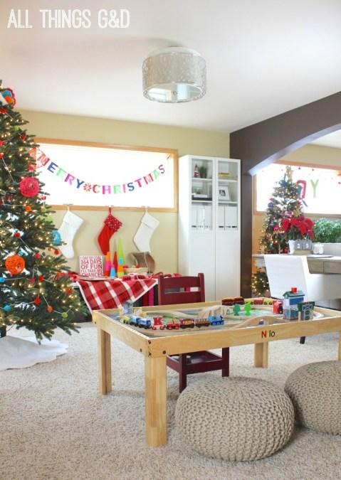 A playful, colorful, handmade holiday home!   www.allthingsgd.com