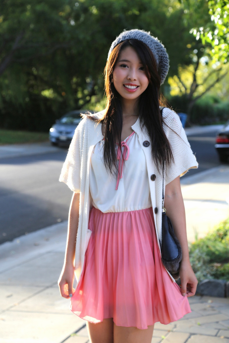 ally gong asian girl beret pink dress palo alto fashion blog street style ootd dress pleated pretty cute