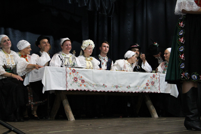 Traditional wedding table at a play in Slovakia - Almost Bananas blog