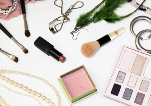 Cosmetics and Accessories Yingyo