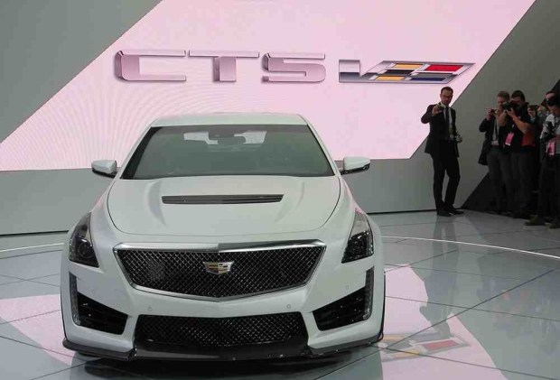 صورة واجهة السيارة كاديلاك CTS-V 2016