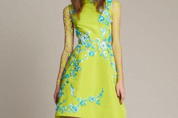 فستان أخضر باستيل