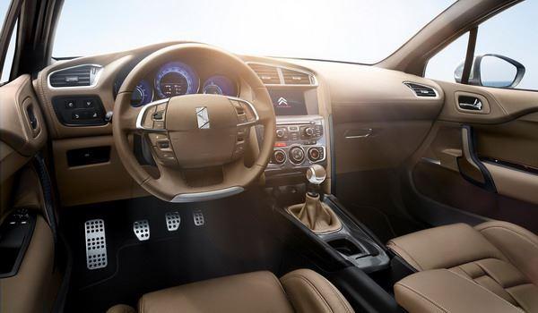 المقصورة الداخلية للسيارة سيتروين دي اس 4