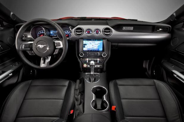 التصميم الداخلي للسيارة فورد موستانج 2016 إيكوبوست