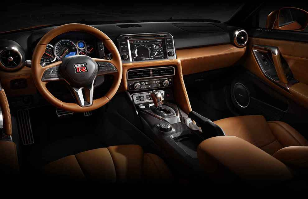 التصميم الداخلي للسيارة نيسان GTR 2017