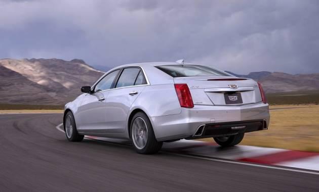 التصميم الخلفي للسيارة كاديلاك CTS موديل 2017