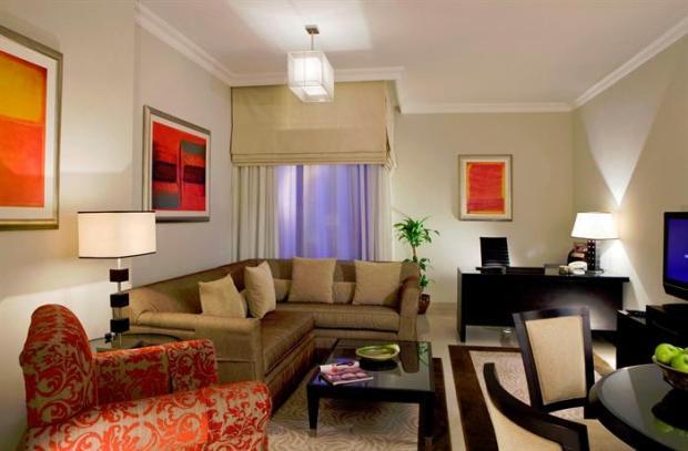 غرف استقبال الضيوف في فندق ياسات جلوريا للشقق