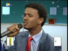 بالفيديو: حسين الصادق يغني بلادي اهلاً للشاعر إسماعيل حسن وسط حضور أسرته