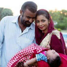 الشاعرة وئام كمال تنشر صورة لها مع طفلها الجديد وزوجها وتنال إعجاب رواد موقع التواصل الإجتماعي