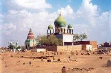 (مقابر حمد النيل) ما هي قصة بيع القبور ولماذا تم إلغاء شارع رئيس يشقها بعد شروع السلطات فيه ؟