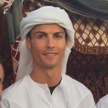 10 صور لم تشاهدها من قبل لرونالدو وصديقته في دبي !