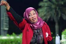 """أول مدرِّبة لفريق كرة قدم للرجال : عائشة محمد : """"كنت بشيل الكورة وبقطع بيها ميدان أركويت عاااااادي"""""""