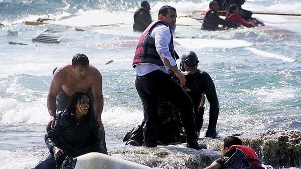 مهاجرين - هجرة - قارب - قوارب1