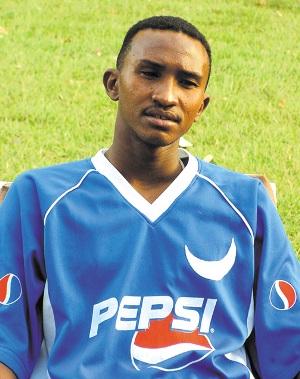 لاعب الهلال السابق خالد جوليت