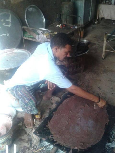 الشاب السوداني عثمان ذو النون يهاجم رواد مواقع التواصل بسببصورة 10494834_923189101053545_1589350599675821475_n