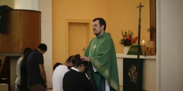 المسلمين في المانيا يتحولون الى المسيحية