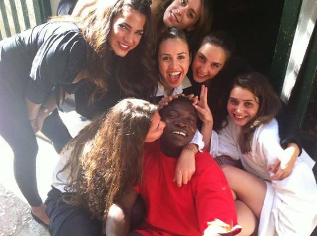 """صور.. الممثل السوداني """"خميس الشيخ"""" الذي يعيش في اسرائيل، يدافع عن نفسه: والله لم ولن اعتنق اليهودية %D8%AE%D9%85%D9%8A%D8%B3-%D8%A7%D9%84%D8%B4%D9%8A%D8%AE"""