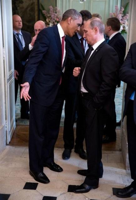 جذب بوتين لربطة عنق أوباما