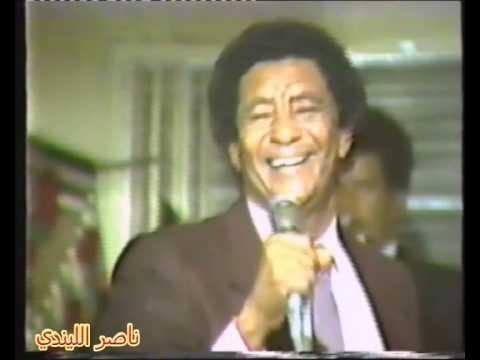 فيديو: وردي يبدع في الكويت (يا بلدي يا حبوب) وفتاة تقبله والحفل يشتعل بالرقص