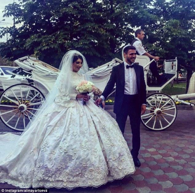 حفل زفاف أسطورى لمصممة أزياء روسية بموسكو3