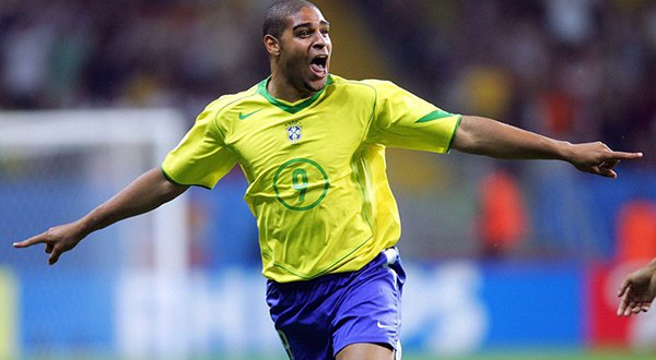 البرازيلي أدريانو.. من نجم كرة قدم إلى مجرم عصابات2