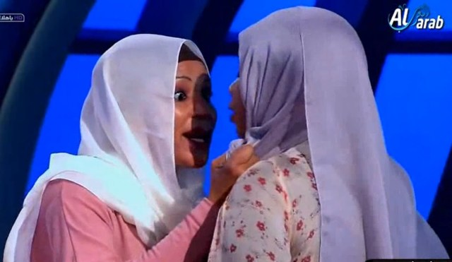 """سودانية تعتدي على بنت خالتها داخل الأستوديو وعلى الهواء مباشرة والسبب """"الخيانة"""""""