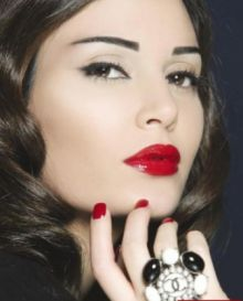 بالصور..سيرين عبد النور:أنا مسيحية وأحب وبشدّة تقديم دور يتعلّق بديانتي