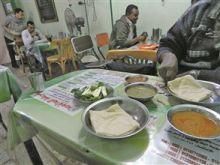 مطعم سوداني في القاهرة: ليس للأكل وحده يأتي هؤلاء