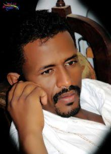 محمد النصري يقارن حفله الذي لم يكتمل بإستقبال الراحل جون قرنق في 2005