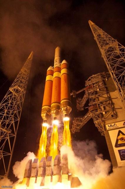 صاروخ Delta IV Heavy أقوى صاروخ في الساحل الغربي الأمريكي