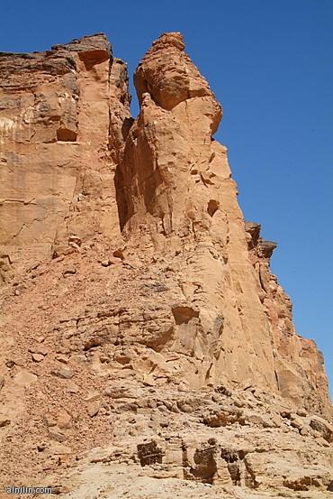جبل البركل شمال السودان  مدينة كريمة