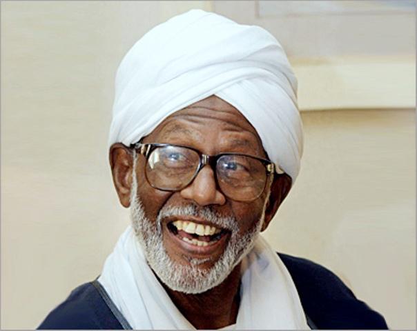 الترابي: «شهادة المرأة نصف شهادة الرجل كذب سياسي ولا أساس له في الدين»
