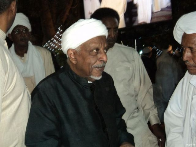 حاتم السر: خلافة الميرغني غير مطروحة حالياً