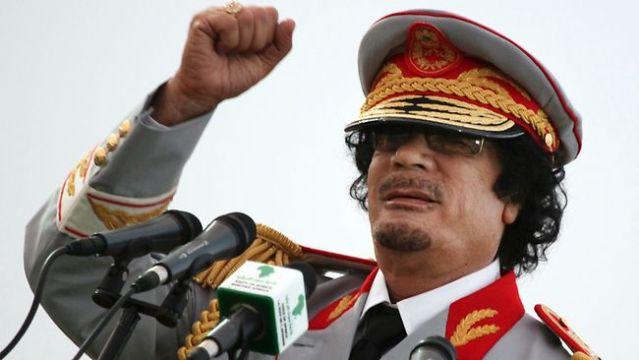 رئيس كازاخستان ساوم القذافي على أسلحة نووية لقاء مليار دولار سنوياً