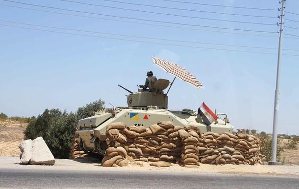"""الجيش المصري يقصف مواقع """"داعش"""" في ليبيا"""