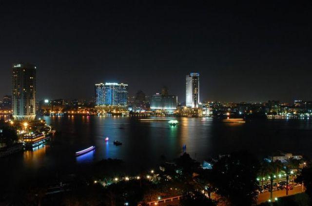 انفجار قنبلة بدائية الصنع بمحيط دار القضاء العالي بالقاهرة