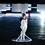 Gaga unveils 'flying dress'