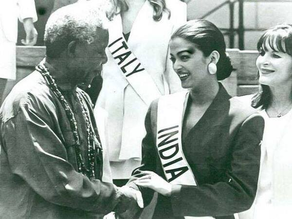 Aishwarya Rai and Nelson Mandela (Facebook)
