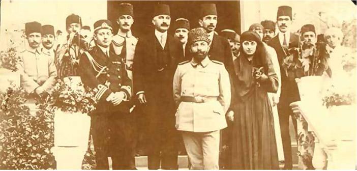 Cemal Paşa ve Halide Edip Antura yetimhanesini teftiş ziyaretinde